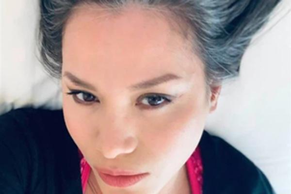 Hoa hậu Ngọc Khánh: U50, tóc bạc vẫn cuốn hút ánh nhìn