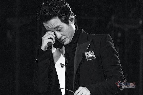 Nước mắt hạnh phúc của Hà Anh Tuấn