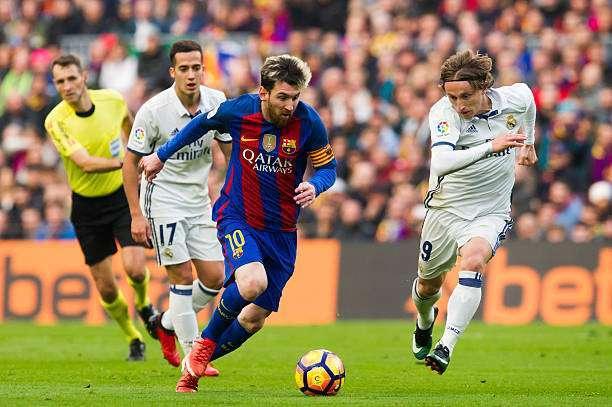 Barca dẫn đầu, MU bật bãi top 3 CLB giá trị nhất thế giới