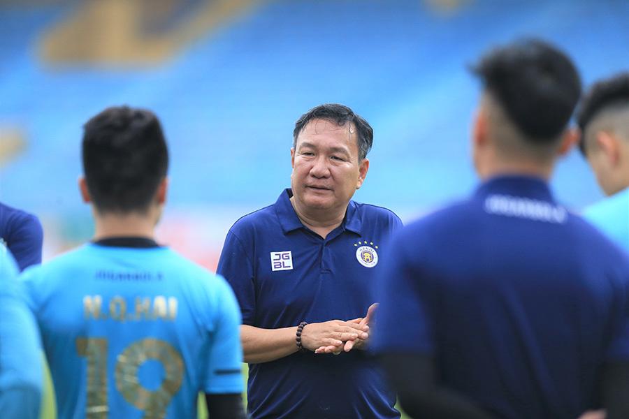 Tân thuyền trưởng Hoàng Văn Phúc: 'Hà Nội vẫn có thể vô địch'