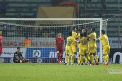 Nam Định đánh bại SLNA nhờ bàn thắng ở phút 92