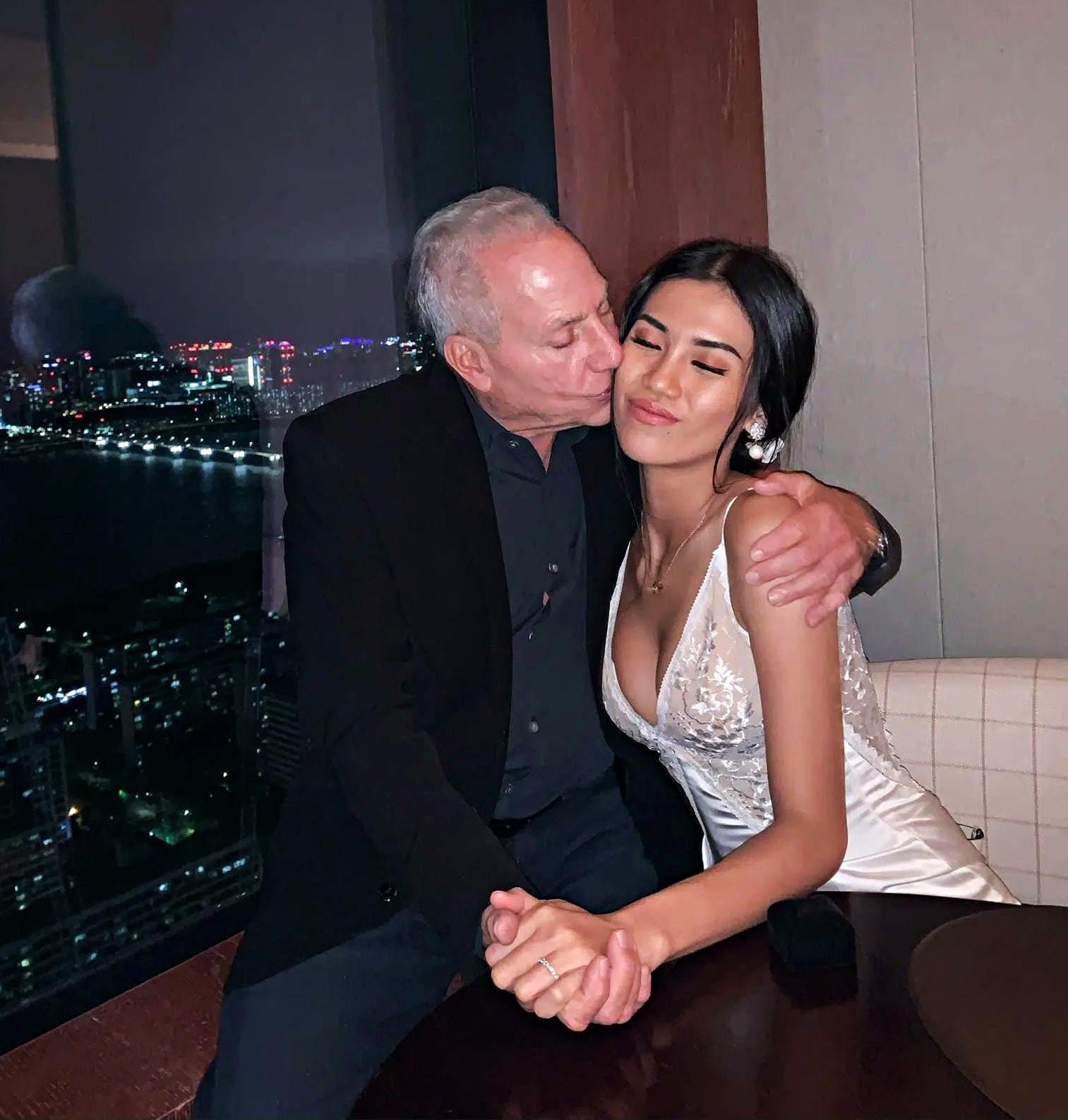 Hot girl Việt 27 tuổi chia tay tỷ phú Mỹ 73 tuổi