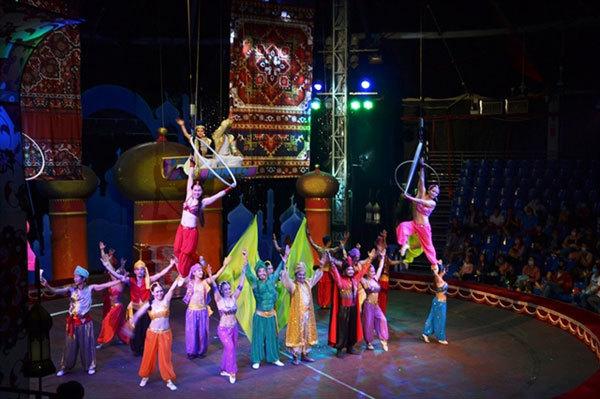 Circusshowrestaged tocelebratenational holiday