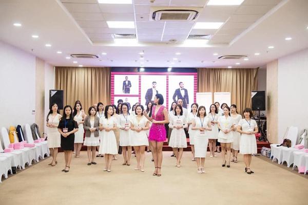 Học viện Ura Academy: Nơi học nghi thức giao tiếp quốc tế