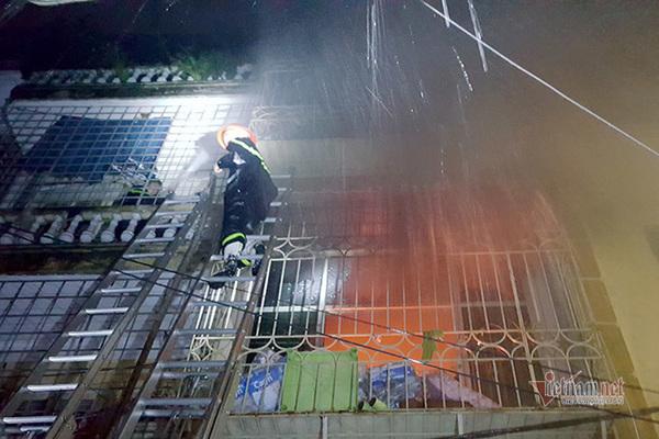'Bí kíp' sống sót khi xảy ra hỏa hoạn ở nhà ống