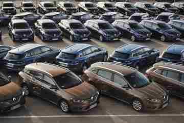 Ô tô sang, bình dân mất giá như thế nào sau 1 năm sử dụng?