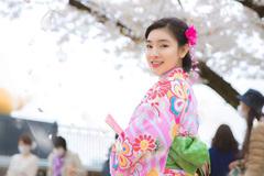 Ca sĩ Vân Nguyễn hóa thân thành cô gái Nhật Bản