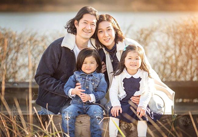 Chung Gia Hân hạnh phúc bên chồng bác sĩ cùng 2 con sau khi giải nghệ