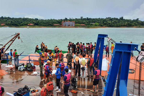 Nguyên Tổng Bí thư, Chủ tịch nước Lào an toàn trong vụ tai nạn lật tàu