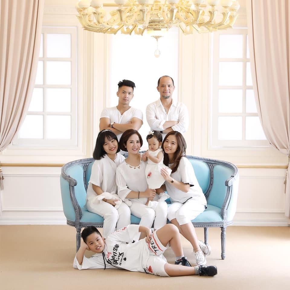 Nguyệt Hằng: 'Tôi và 4 con thèm món gì chồng sẵn sàng vào bếp dù là nửa đêm'