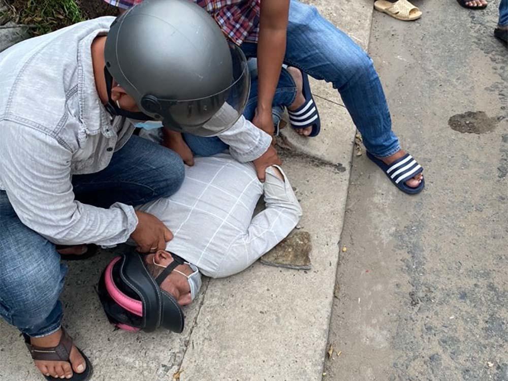 Cảnh sát đặc nhiệm bị thương khi bắt cướp trên phố Sài Gòn
