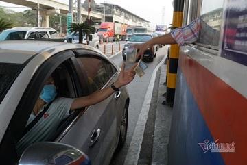Trạm BOT xa lộ Hà Nội muốn chuyển toàn bộ làn thu phí sang tự động không dừng