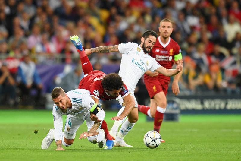 Trực tiếp Real Madrid vs Liverpool: Long hổ tranh hùng