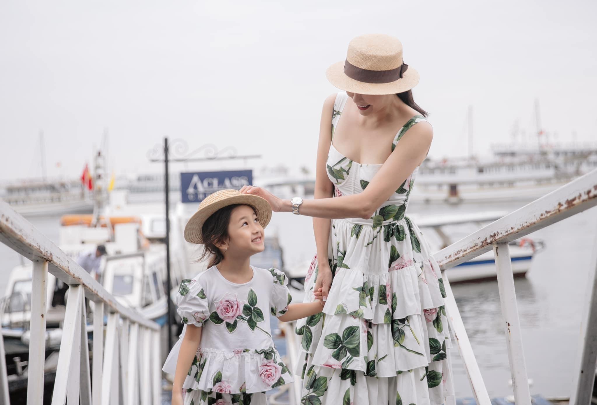 Nhan sắc trong veo con gái 5 tuổi của hoa hậu Hà Kiều Anh