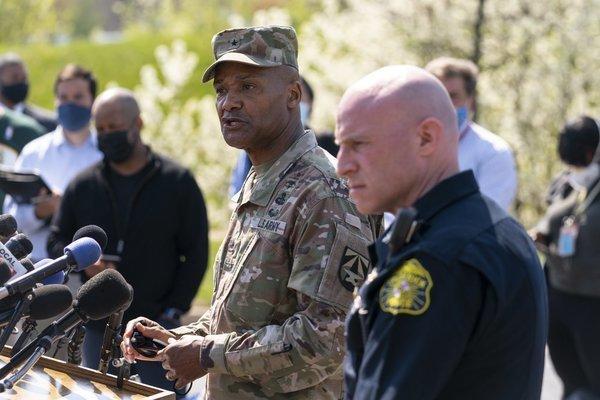 Xả súng gần căn cứ quân sự Mỹ
