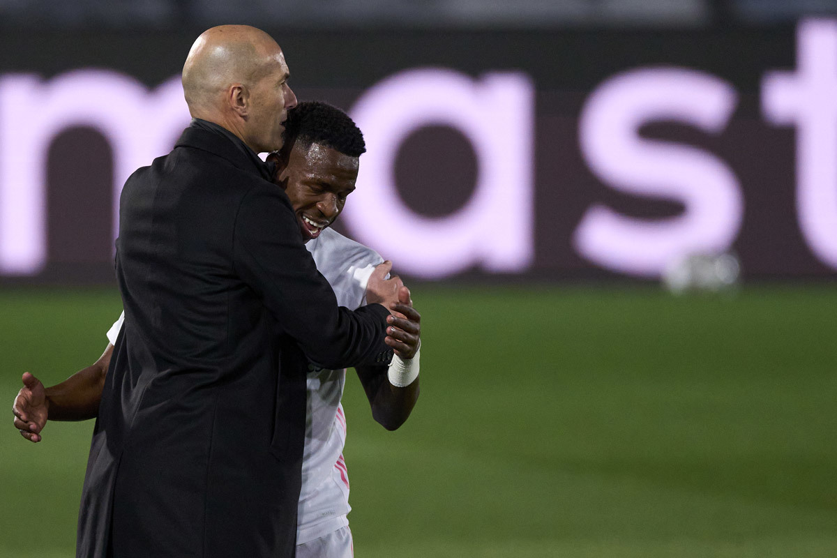 Real Madrid hạ đẹp Liverpool: Ma thuật Zidane