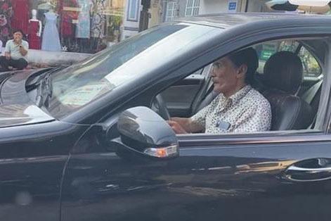Thương Tín khác lạ sau khi được Trịnh Kim Chi đưa đi làm răng