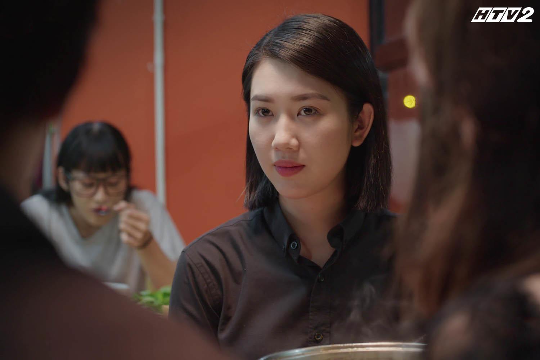 'Cây táo nở hoa' tập 3: Châu năn nỉ anh trai, em gái đến dự đám tang bố