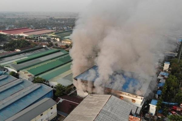 Myanmar tiếp tục có thương vong, nhà máy Trung Quốc bị phóng hỏa