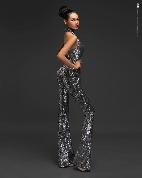 Nhan sắc Hoa hậu Hòa bình Myanmar bị truy nã