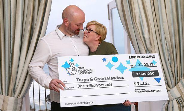 Cặp vợ chồng nghèo trúng số 32 tỷ đồng trả ơn cuộc đời