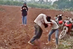 Nữ sinh ở Nghệ An hẹn nhau 'quyết chiến' như phim