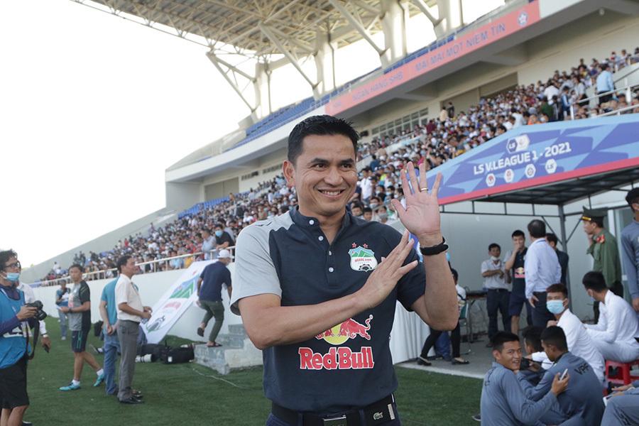 """HLV Kiatisuk: """"HAGL chơi đẹp trước Hà Nội"""""""