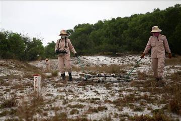 Việt Nam có bước tiến vượt bậc trong vấn đề rà phá bom mìn