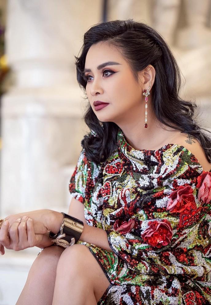 Diva Thanh Lam đẹp, quyến rũ hơn từ khi có tình yêu mới
