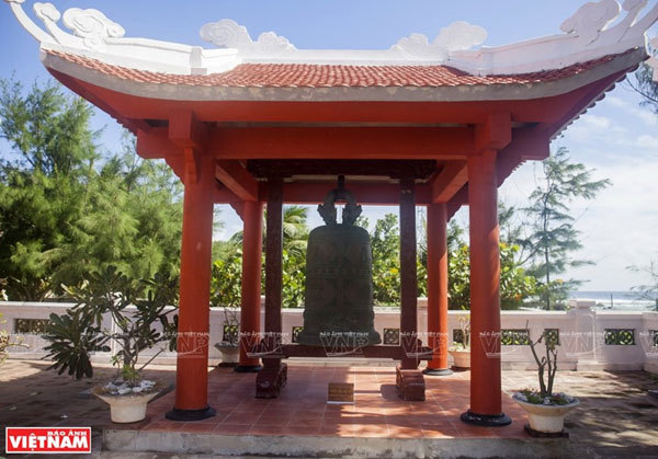 Vinh Phuc Pagoda solemn in East Sea