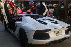 Chủ xe Bình Phước nâng cấp ống xả cho Lamborghini Aventador Roadster