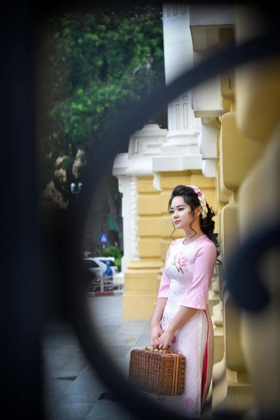 Con gái 18 tuổi xinh đẹp của Mai Thu Huyền và ông xã đại gia