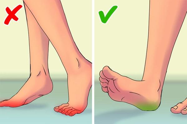 Những thói quen gây hại không ngờ khi đi bộ