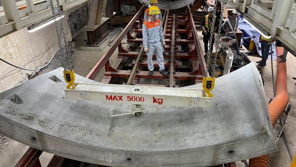 Robot 'táo bạo' đào hầm ga S9 đường sắt Nhổn - ga Hà Nội