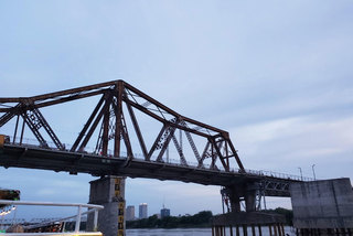 Giải cứu cầu Long Biên và chuyện những cây cầu làm giàu cho thành phố