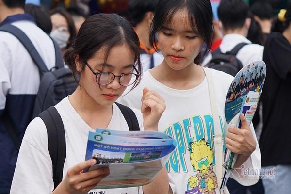 Biến động điểm chuẩn các ngành tiếng Hàn 3 năm qua
