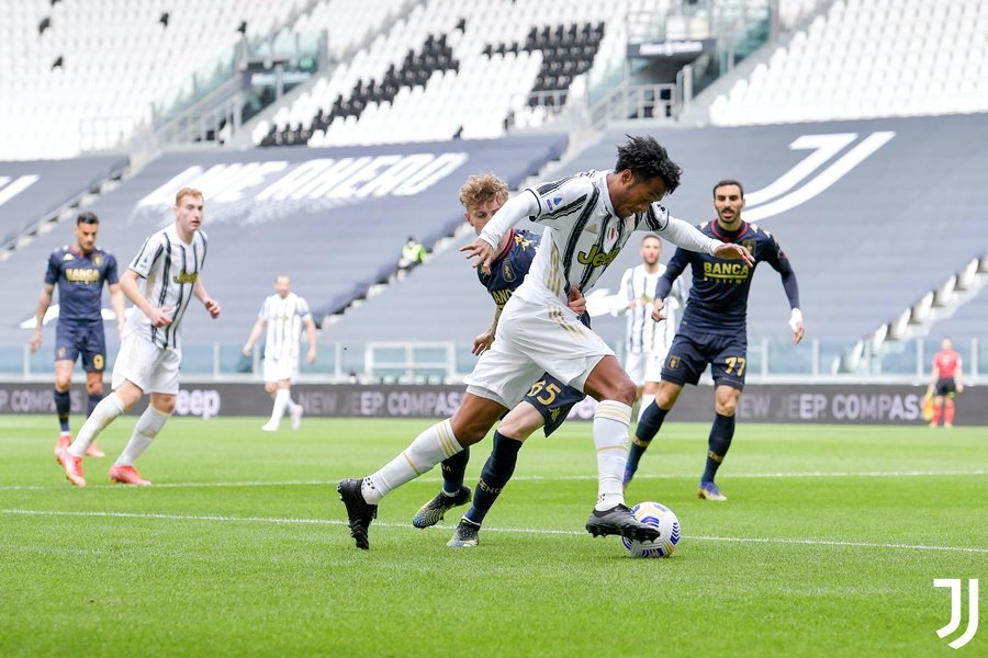 Morata che mờ Ronaldo, Juventus thổi lửa vào gáy Milan