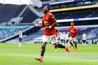 Tottenham 1-1 MU: Fred lập đại công (H2)