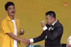 NSND Tự Long 'rơi nước mắt' nhớ mẹ khi ăn bún đậu của Mạc Văn Khoa