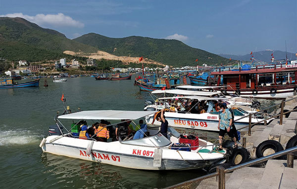 Central Vietnam prepares forbusy upcoming holiday