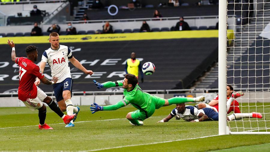 MU ngược dòng ấn tượng Tottenham: Đẳng cấp của Cavani