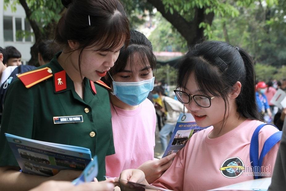 Lưu ý khi làm hồ sơ xét tuyển vào các trường quân đội