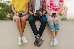 Thị trường smartphone phổ thông - cuộc chơi của những 'trái tim thép'