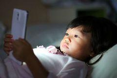 Phạt khi đăng tải video clip gây ảnh hưởng không tốt đến trẻ em
