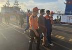 Cứu nạn 6 thuyền viên trên tàu cá bị chìm ngoài biển