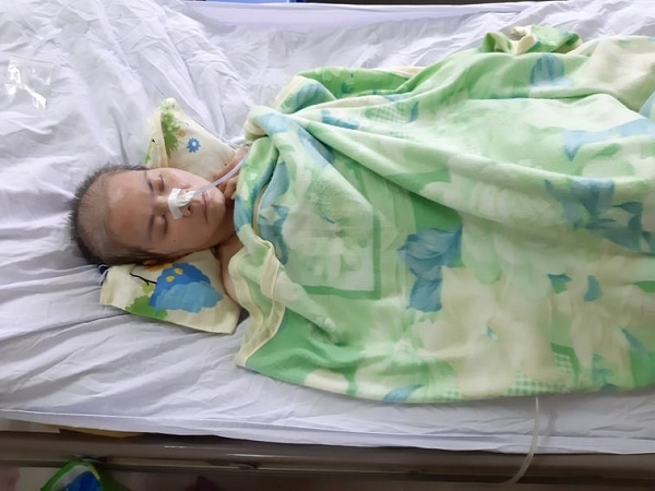 Xót thương cô giáo nghèo bị bệnh tật hành hạ đến co quắp, liệt giường