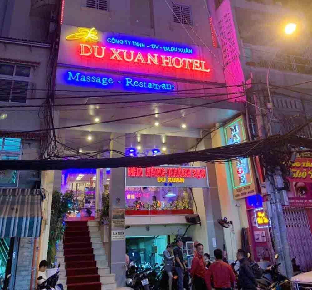 Nữ tiếp viên nhà hàng ở trung tâm Sài Gòn bán dâm 2,5 triệu/lượt