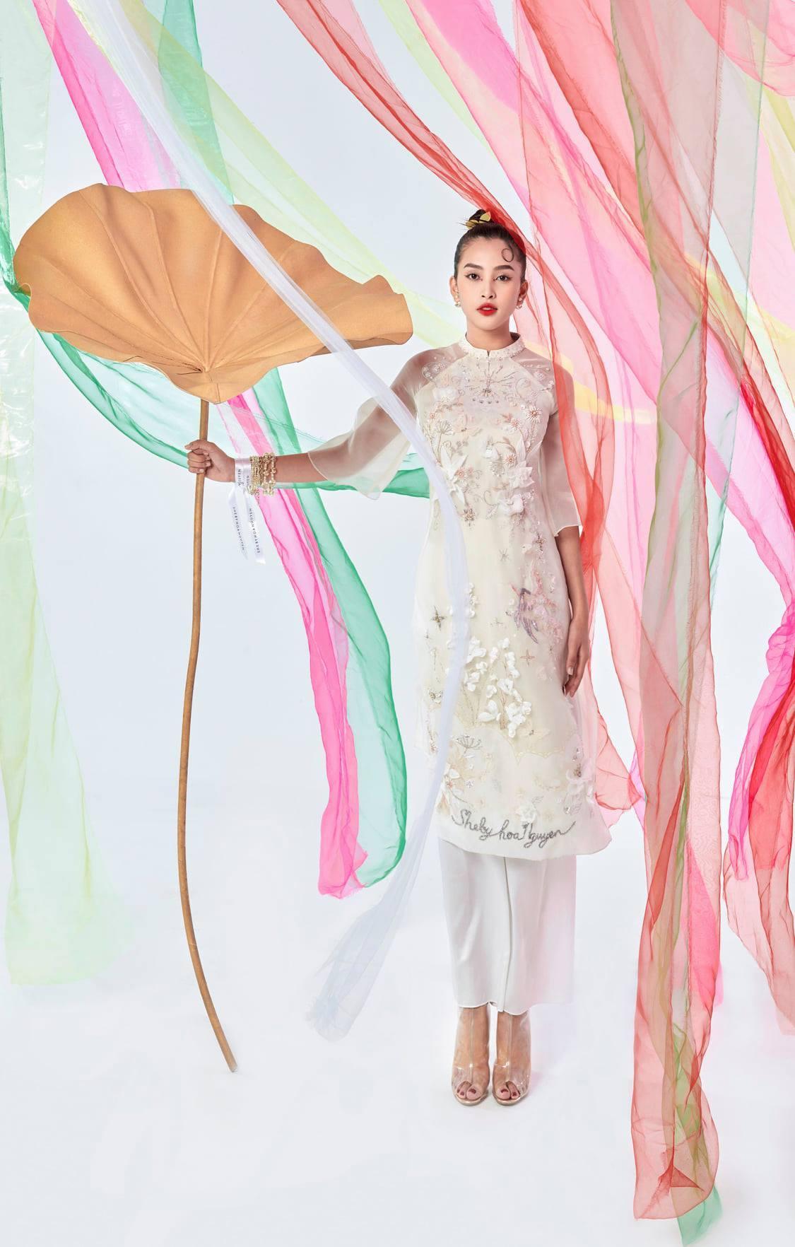 Hoa hậu Tiểu Vy đa sắc màu trong bộ sưu tập mới