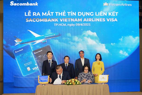 Sacombank 'bắt tay' Vietnam Airlines ra mắt thẻ tín dụng liên kết
