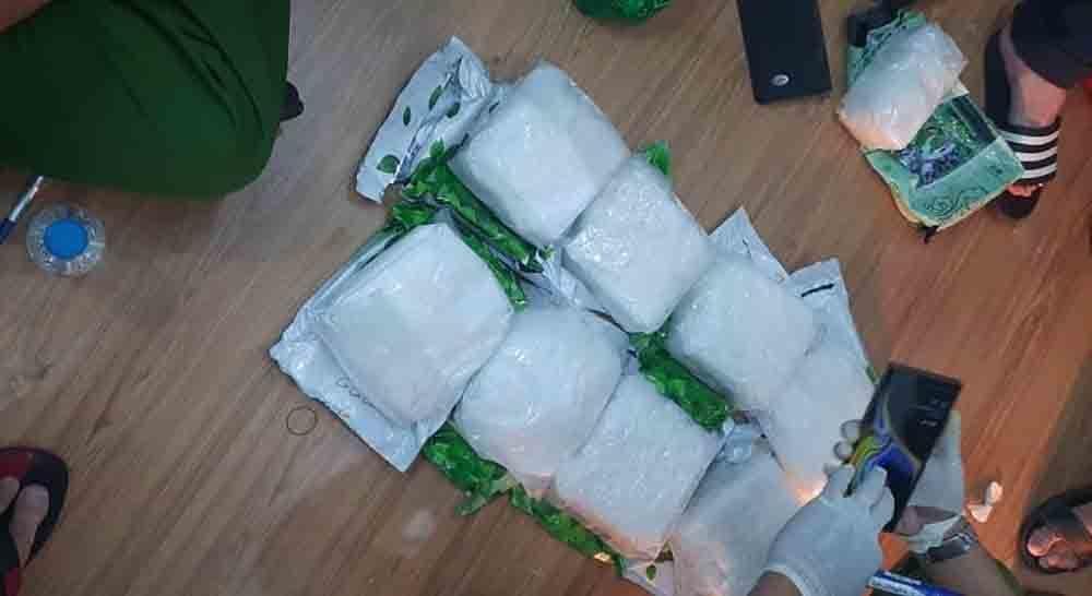 Cất lưới đường dây có cả ngàn gói ma túy chưa từng thấy ở TP.HCM